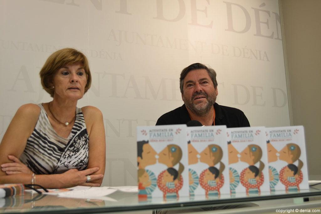 Maribel and Rafael Font Family Carrio present Activitats 2016-2017