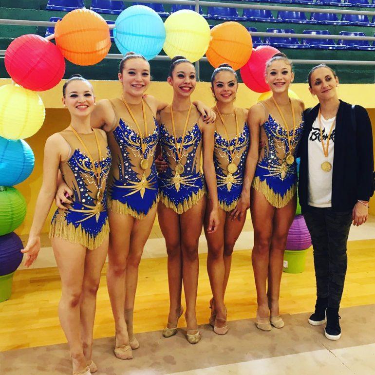 Montse Sòria amb les juniors