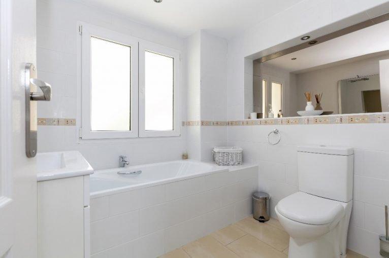Un dels banys Quality Rent a Vila