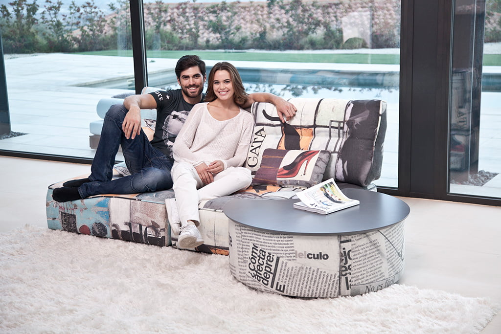 arianne love fama sof s muebles mart nez d. Black Bedroom Furniture Sets. Home Design Ideas