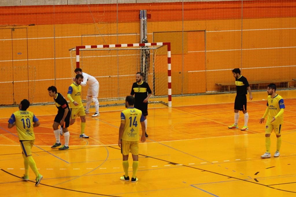 Un ataque del Dénia Futsal en Mejorada