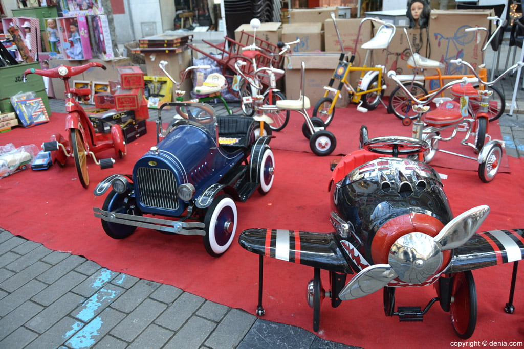 XIX Fira de la Joguina Antic de Dénia - cotxes a pedals