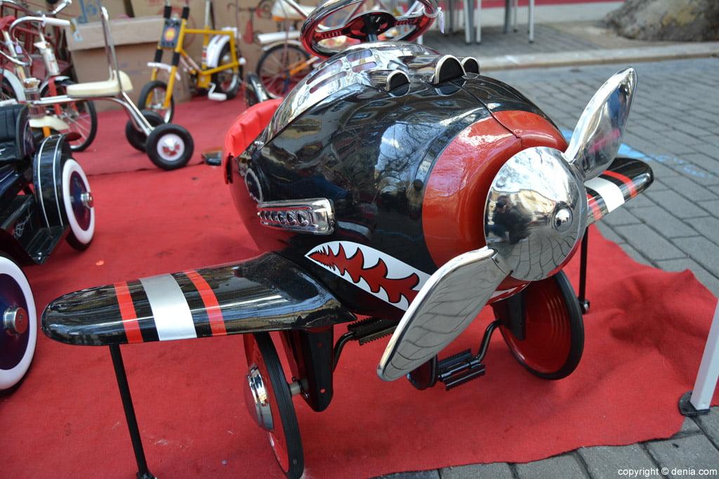 XIX Fira de la Joguina Antic de Dénia - reproducció d'un avió de joguina