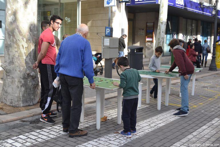 XIX Fira de la Joguina Antic de Dénia - jocs al carrer