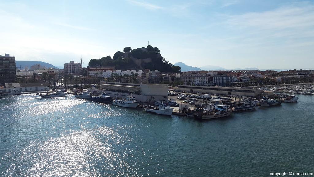 Castillo de Dénia desde el puerto