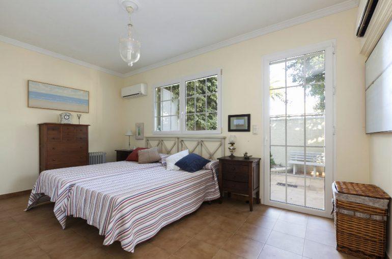 Dormitori exterior Quality Rent a Vila
