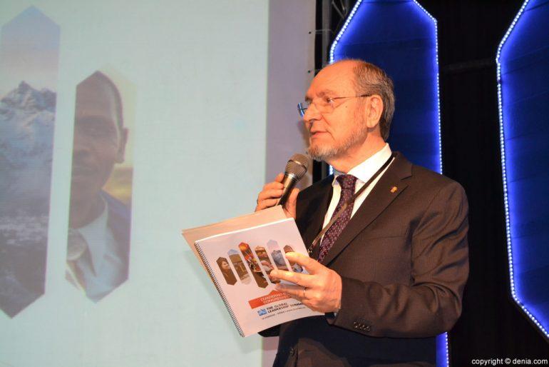 Jorge Pastor durante la inauguración de la Cumbre Internacional de Liderazgo