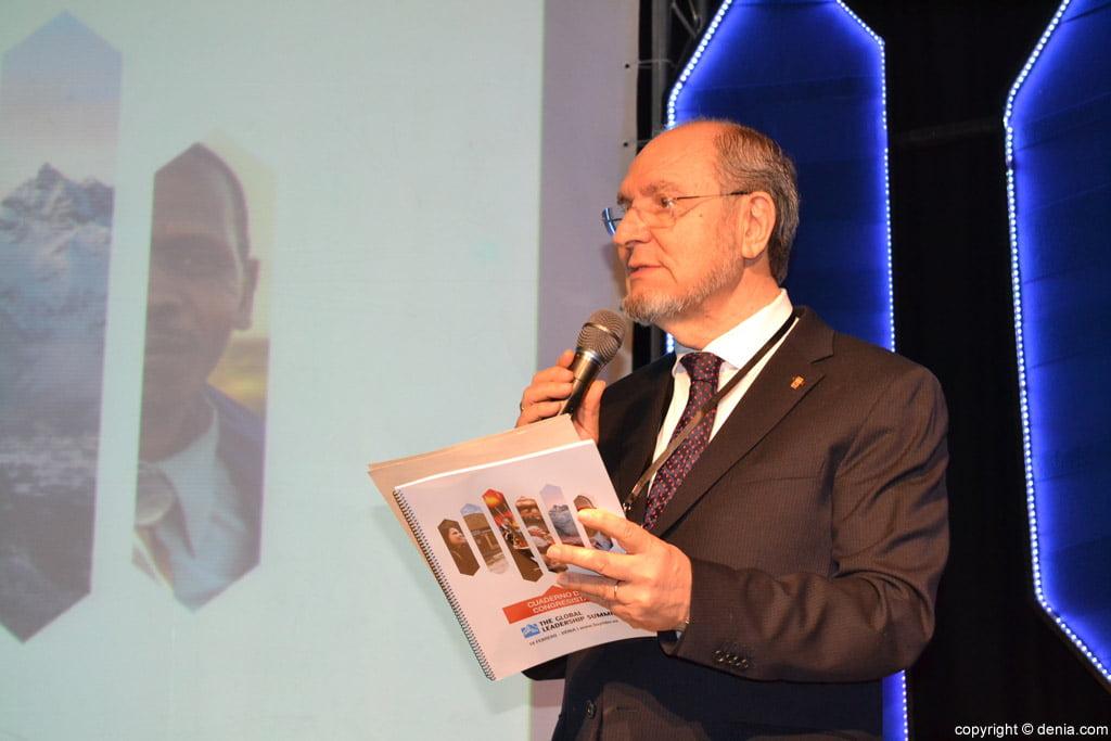 Jorge Pastor durant la inauguració de la Cimera Internacional de Lideratge