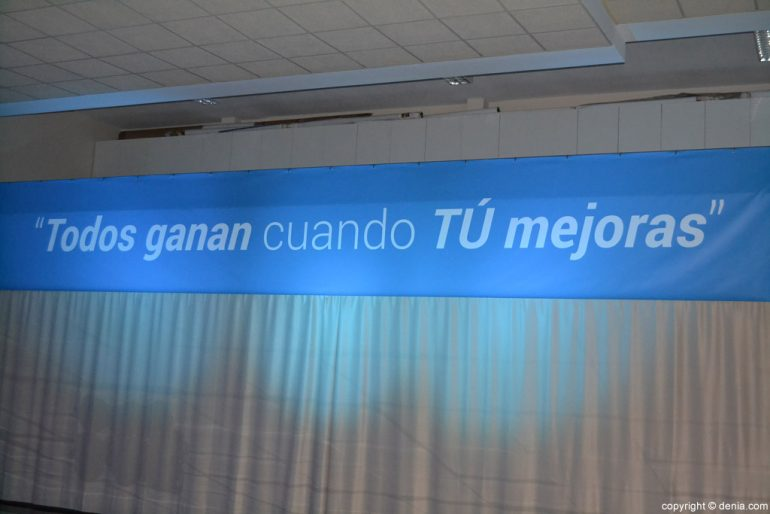 Slogan de la Cumbre Internacional de Liderazgo celebrada en Dénia