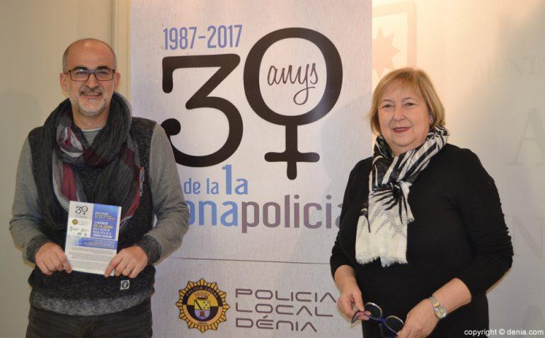 Javier Scotto y Elisabet Cardona presentan los actos conmemorativos de los 30 años de incorporación de la mujer a la Policía Local de Dénia