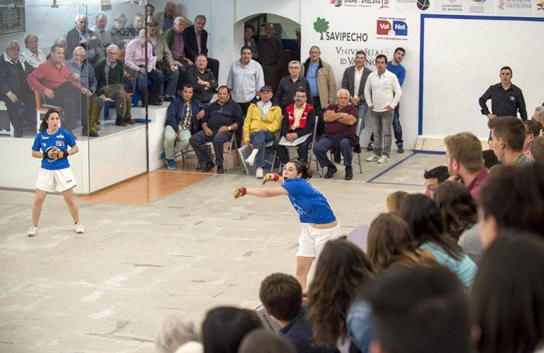 Partida femenina de raspall en Pelayo