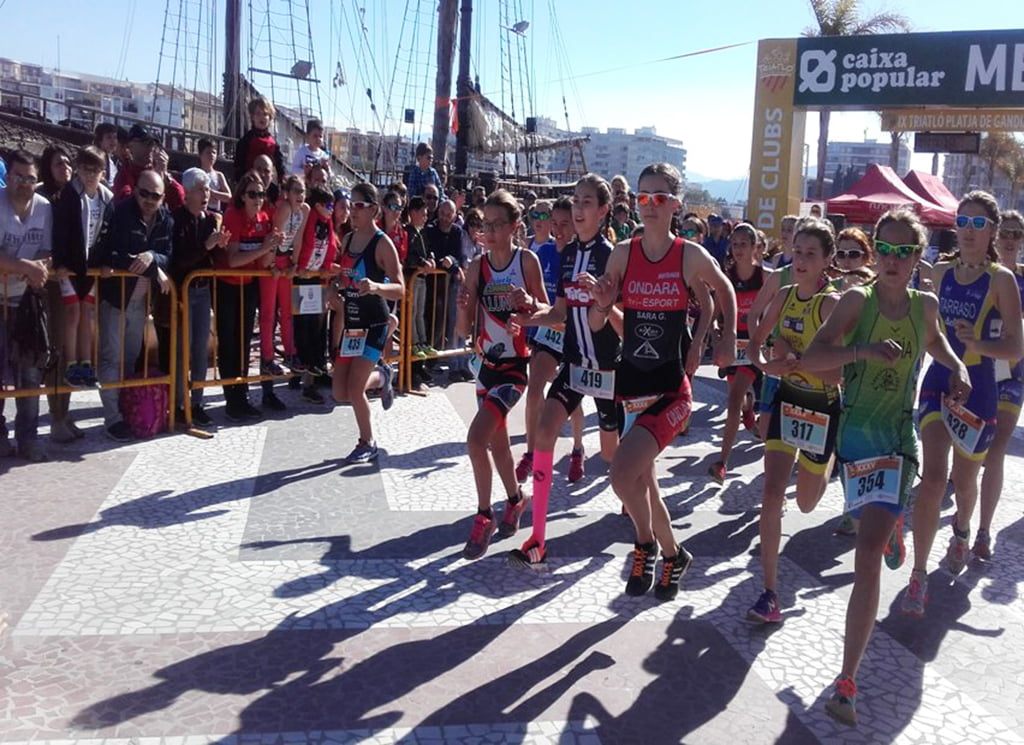 Moment of the departure of the duathlon of Gandia