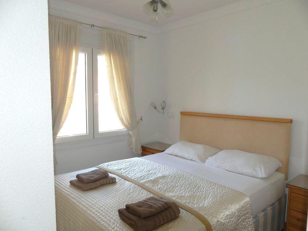 Dormitorio principal del apartamento denivan d for Dormitorio principal