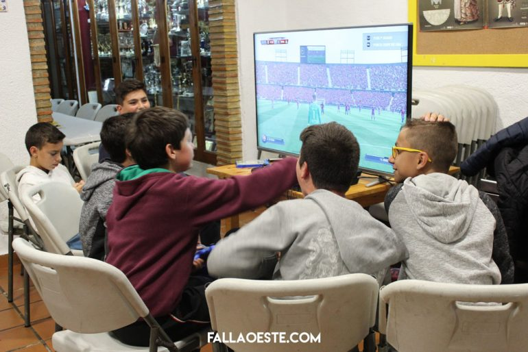 Cadets of the West fault hold a video game tournament