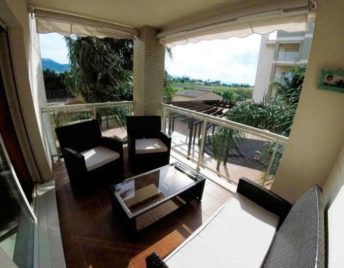 Terraza privada del apartamento catorce soluciones for Terraza del apartamento