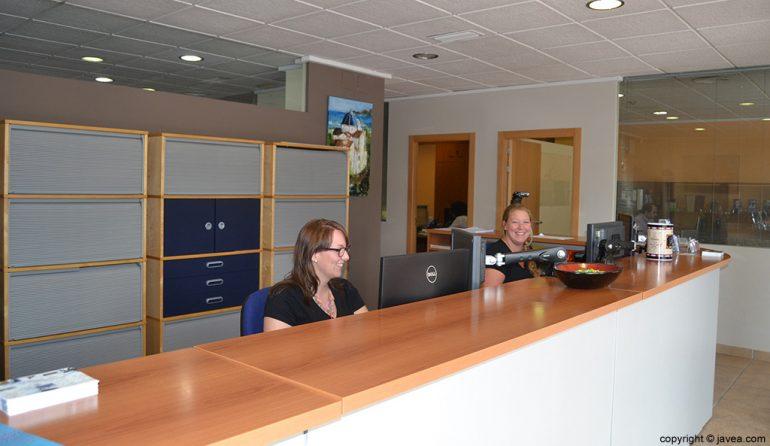 Recepció a la immobiliària Aguila Rent a Vila