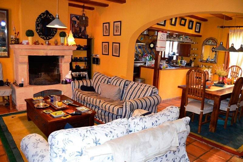 Sala de estar y comedor euroholding d for Comedor y sala de estar decorados