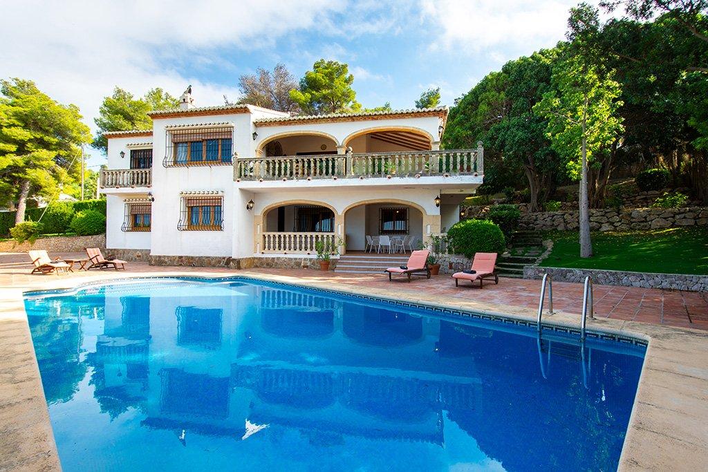 Villa amb piscina Aguila Rent a Vila