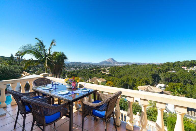 Villa con vistas en Aguila Rent a Villa