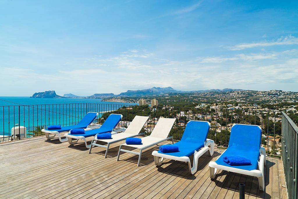 Habitatge amb vistes al mar per vacances a Aguila Rent a Vila