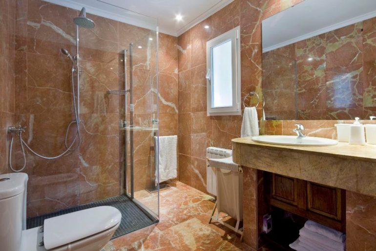 Bany de la casa Quality Rent a Vila