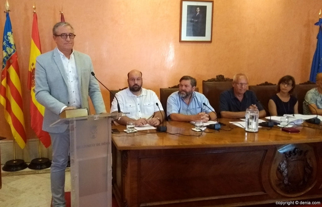 Esteban Chornet pren possessió com a regidor de Dénia