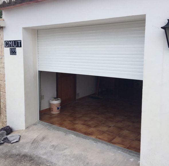 no lo pienses ms si necesitas cambiar tus ventanas persianas celosas o persianas como esta de puerta de garaje confa en los mejores