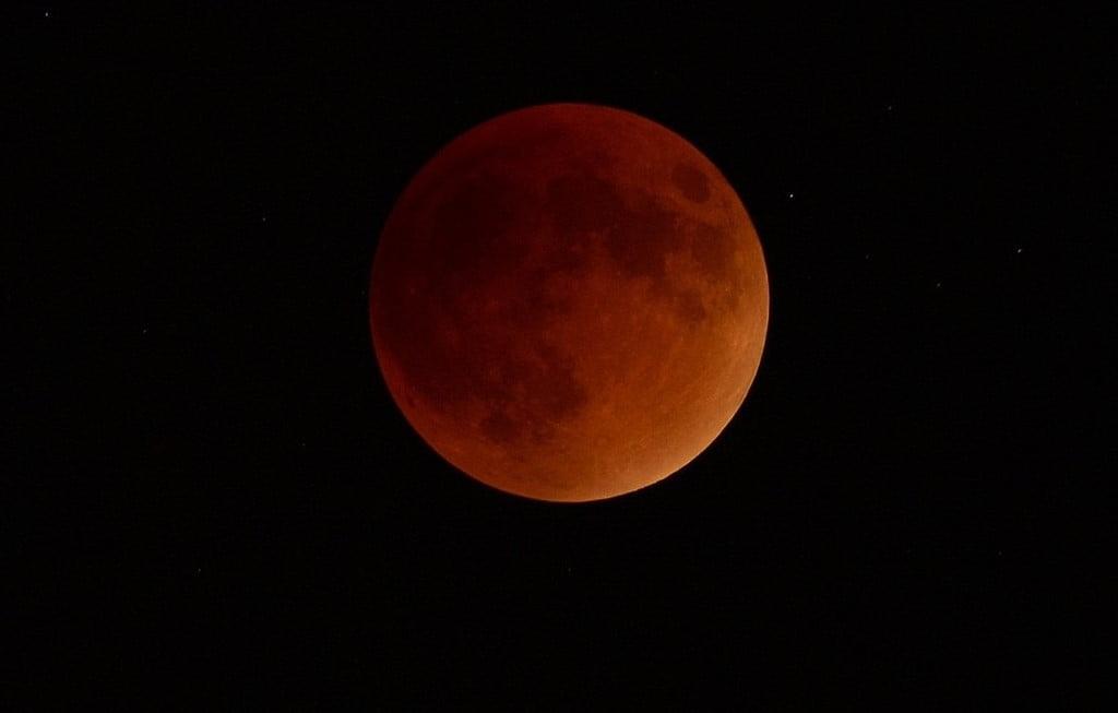 red moon tonight spain - photo #5