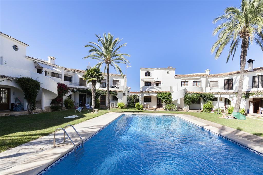 piscina quality rent a villa d