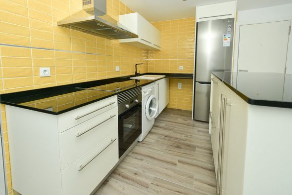Image: Yellow kitchen Macamon Integral Reforms