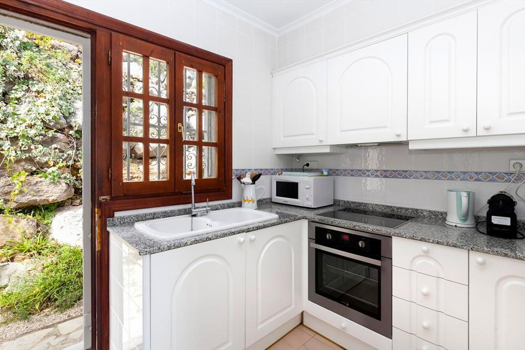 Cocina casa almendros quality rent a villa d for Cocinas quality