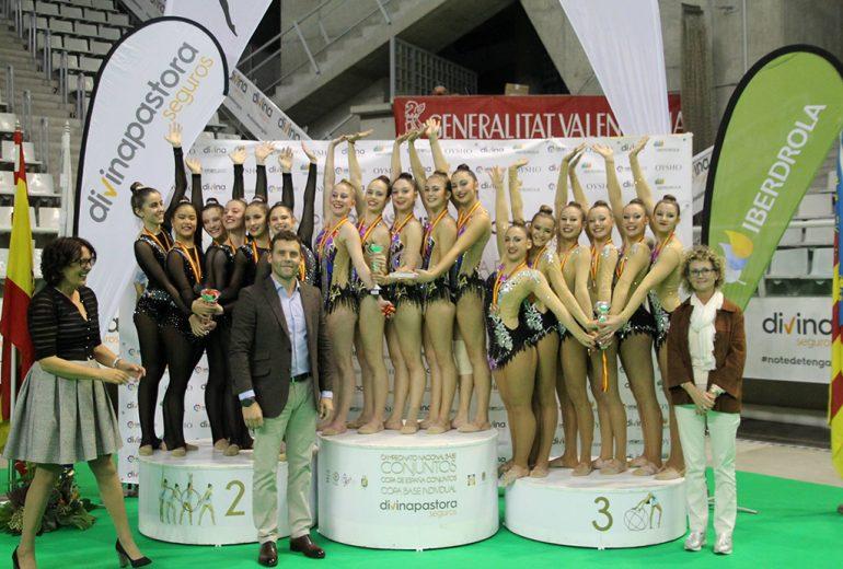 El conjunto juvenil del CG Dénia en lo más alto del podio de categoría juvenil