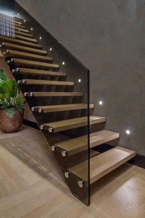 Escalier transparentReformas Integrales Macamon