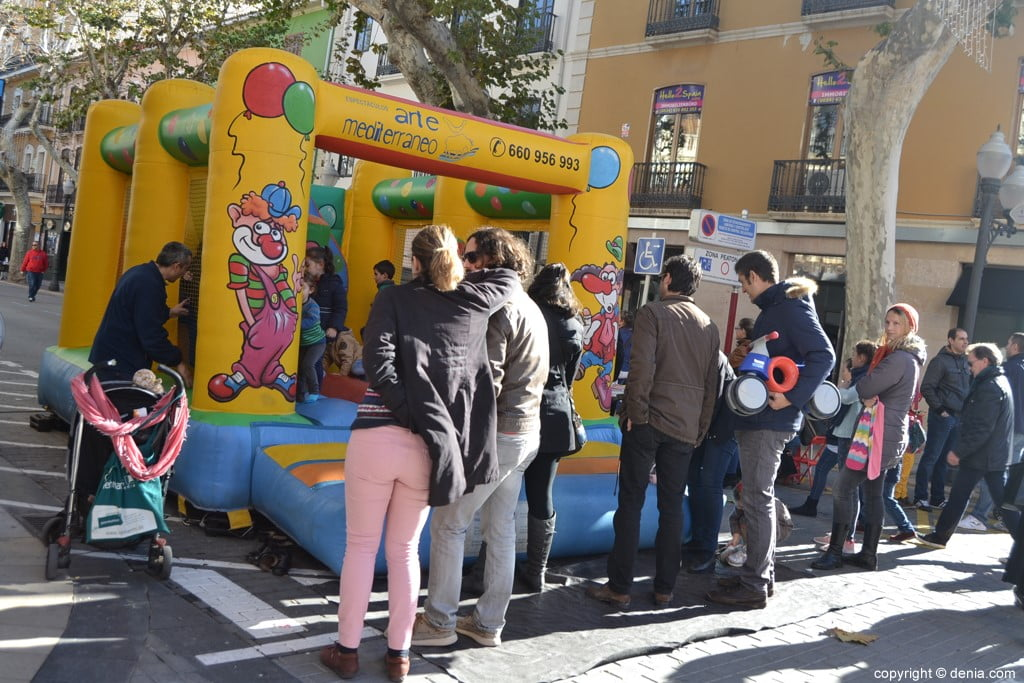 Día de la Banderita Dénia 2017 - Inflatable children