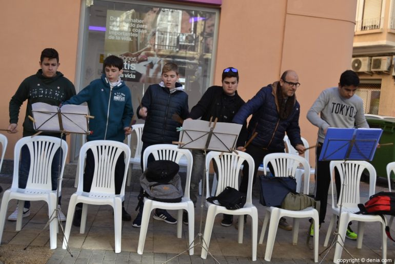 Banderita Dénia Day 2017 - Percussion on chairs