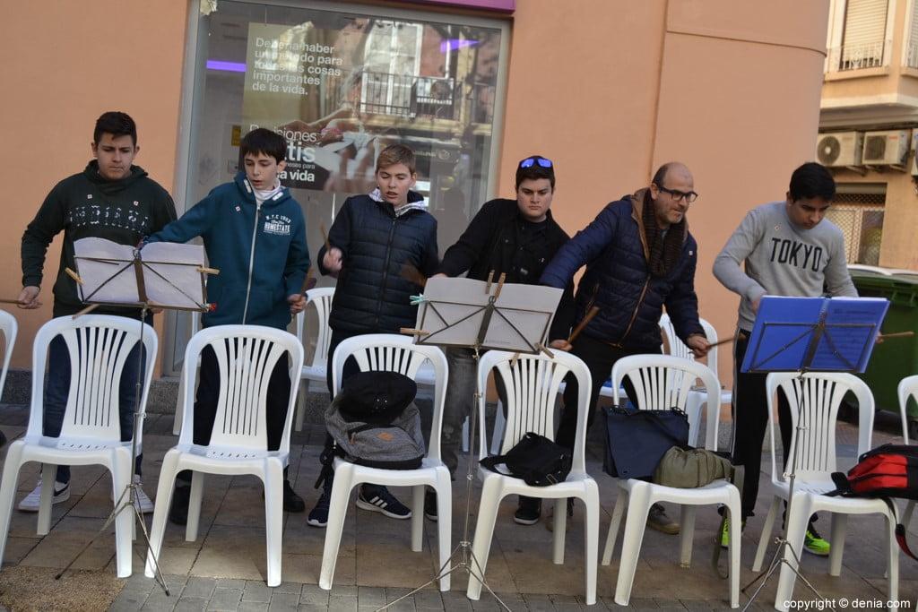 Día de la Banderita Dénia 2017 - Percussion on chairs