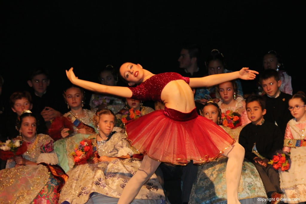 Presentació infantil falla Centre 2018 - Ballarina