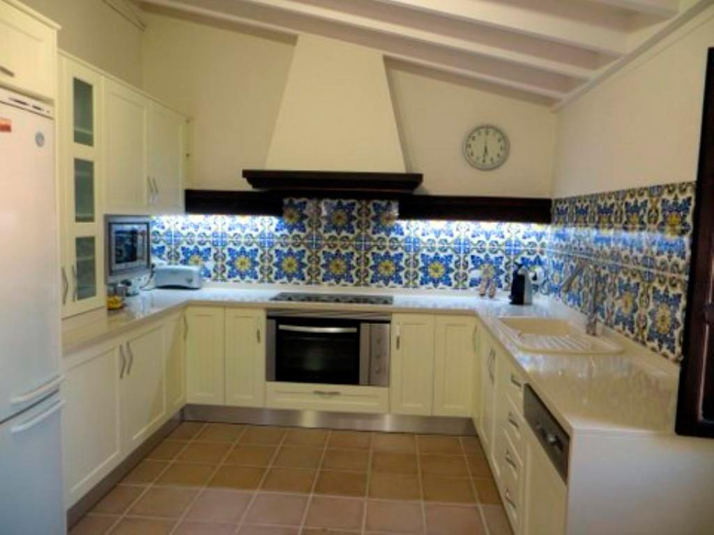 Домовая кухня Агила Аренда Вилла