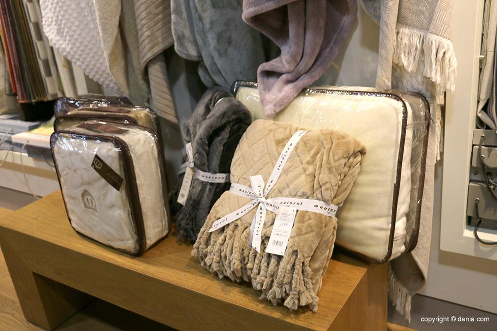 Mantas y textil de cama Marcial Montenegro