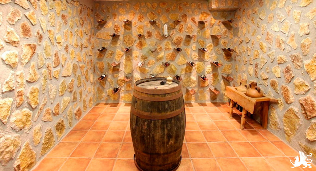 Stirling Ackroyd Wine Cellar Spagna