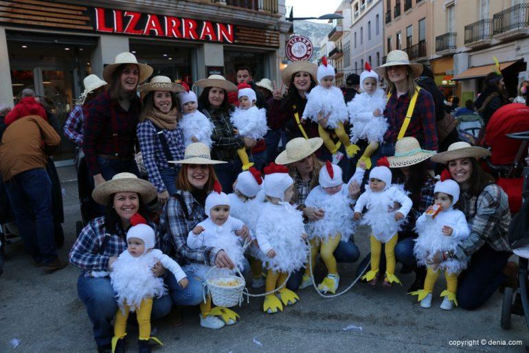 Carnaval infantil Dénia 2018 - Granja de pollitos