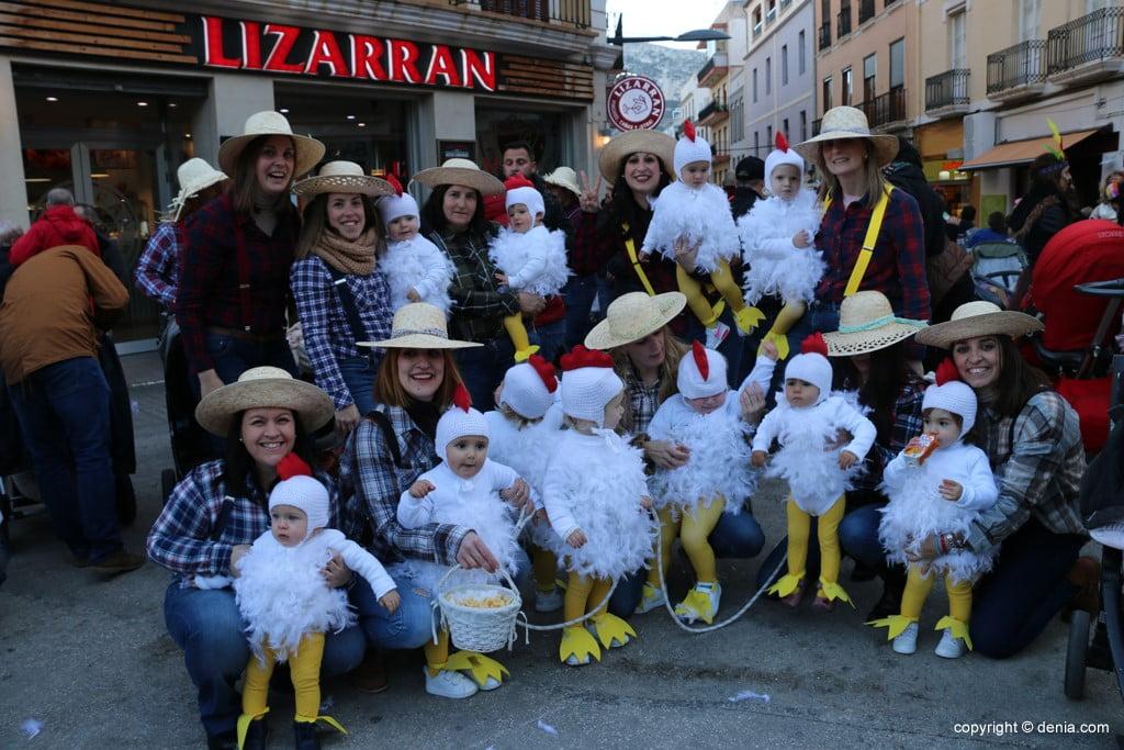 Carnaval infantil Dénia 2018 – Granja de pollitos