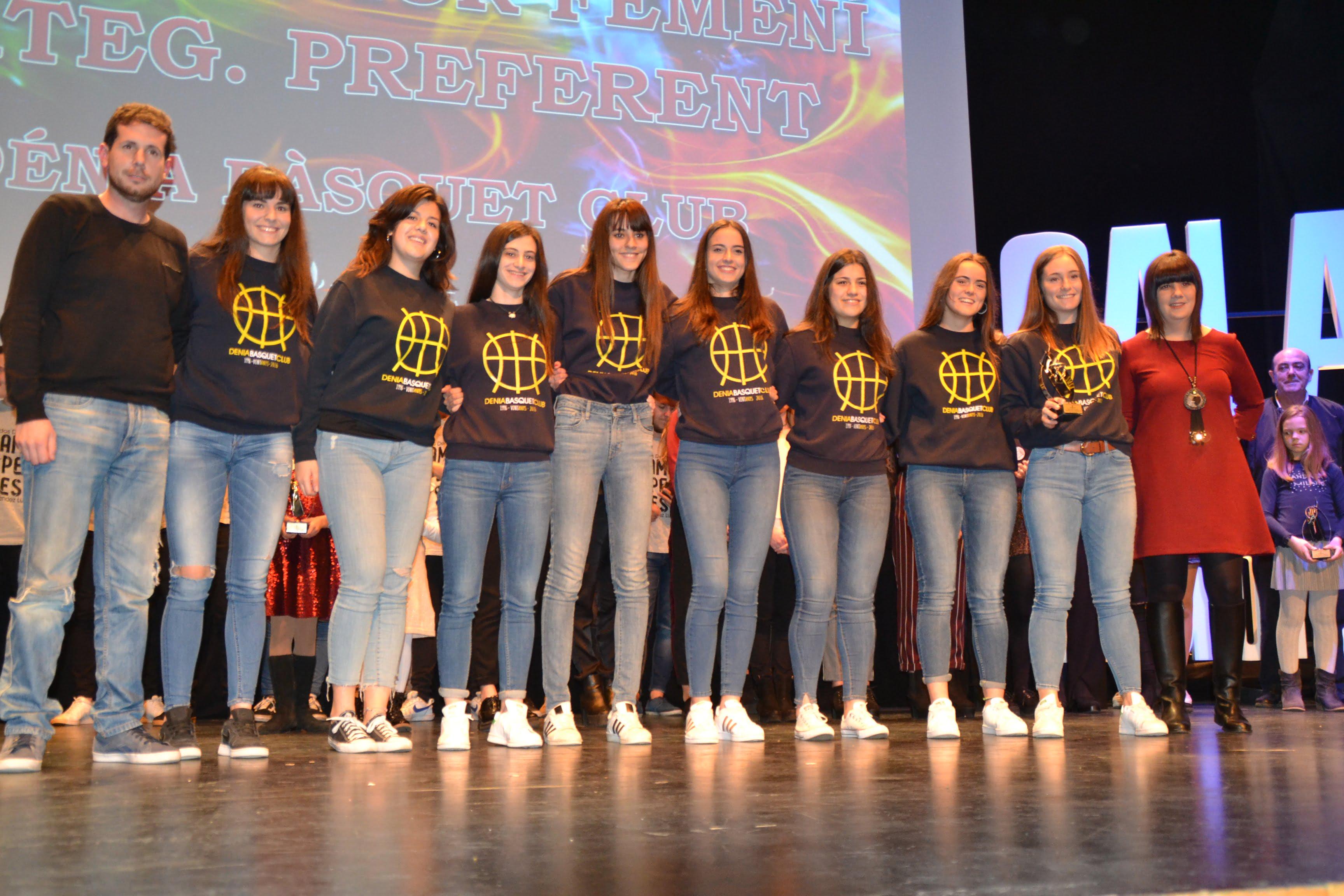 Equipo Junior Femenino del Dénia Básquet Club