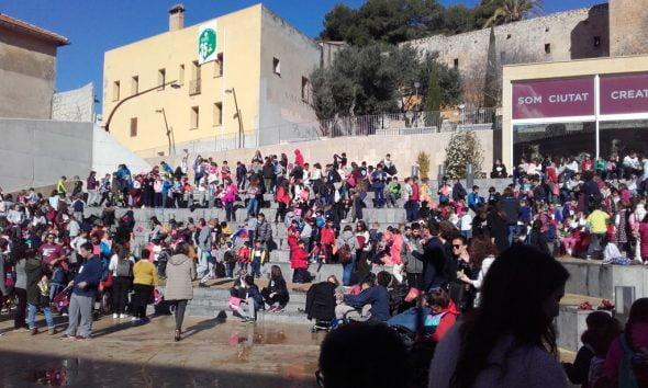 The Great Festival Of Cinema Of School Children Arrives In D Nia School Children Enjoy The Mice