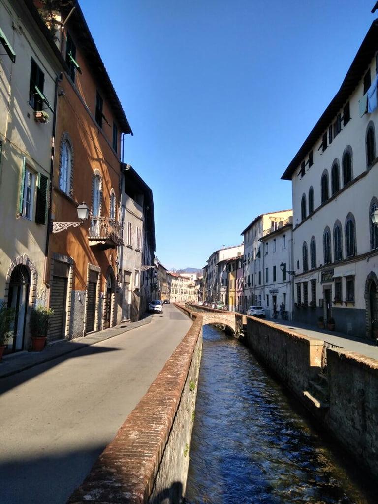 Venecia Deni Sun Travel