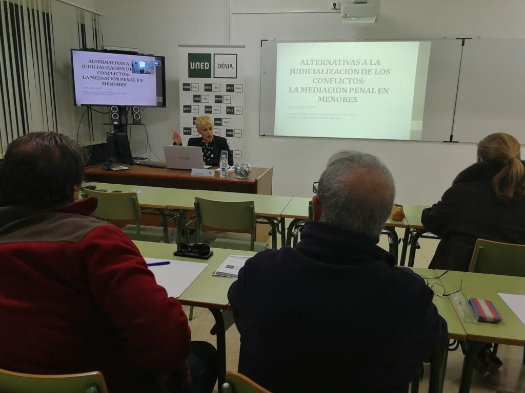 Curso sobre mediación penal en menores en Dénia