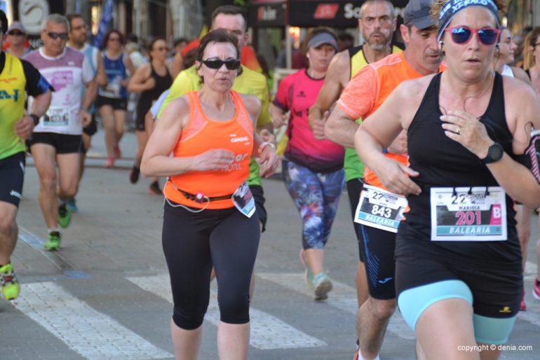 Atletas dianenses en la calle Campos