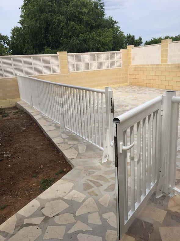 Alucardona pvc y aluminios s l instala tu nueva valla o - Valla seguridad escalera ...