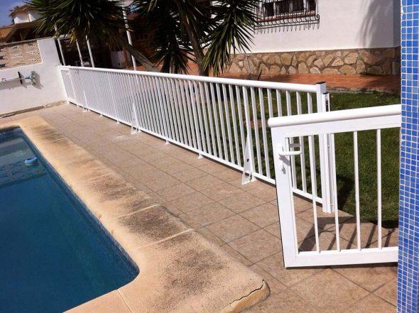 Alucardona pvc y aluminios s l instala tu nueva valla o - Escaleras para perros pequenos ...