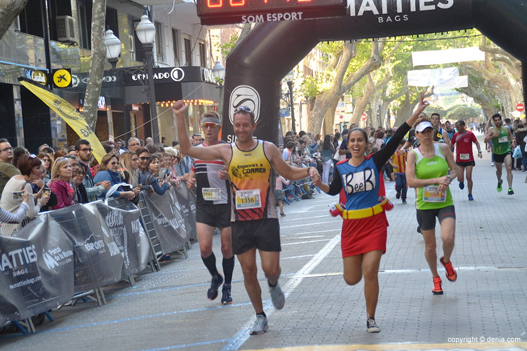 Marc Bañuls crossing the finish line